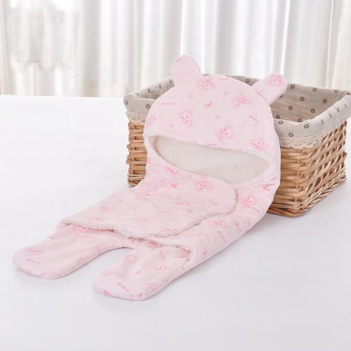Wholesale Double layer Soft Minky Fabric Sherpa Wrap Blanket Mouse Pattern New Born Baby Hooded Swaddle